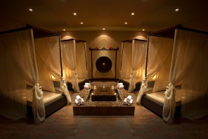 Tips & Toes Day Spa Relaxation Room