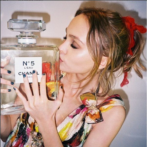 Lily Rose Depp Chanel No5 LEau Face