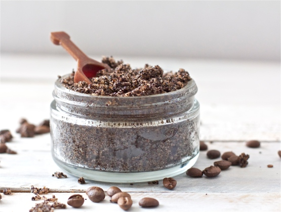 coffee-and-almond-body-scrub