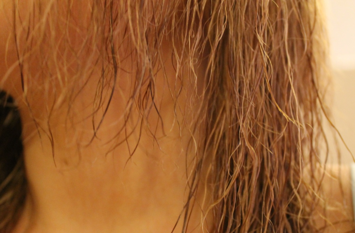 The Powerful Oil Blend I'm Using to Bring My Fried Hair Back to Life